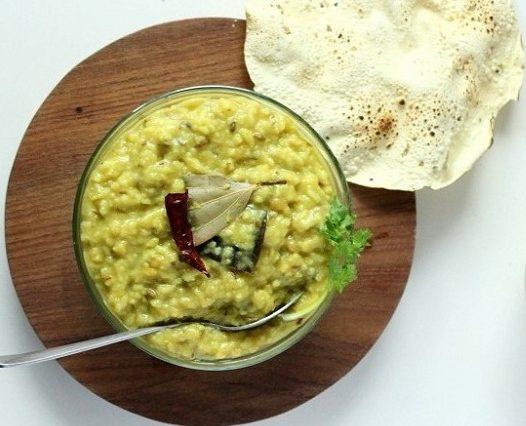 gujarati-khichdi-recipe-gujarati-khichdi-papad