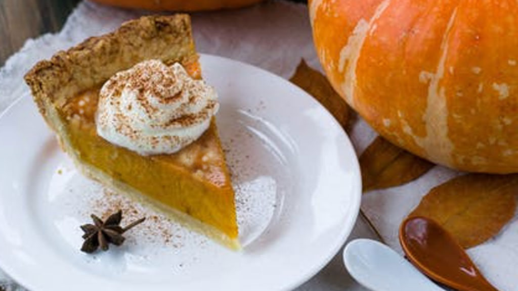 Pumpkin-Pie-Oatmeal-with-Cracker-Crumble