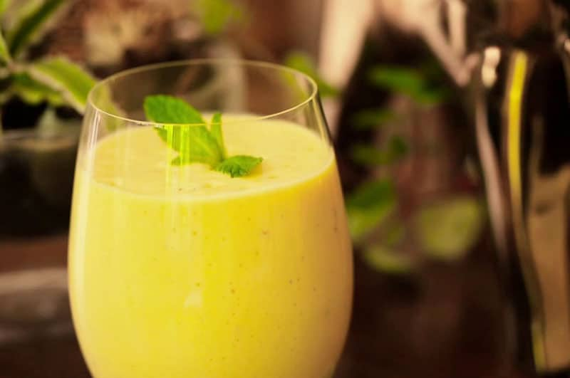 Mango Yogurt Smoothie (Lassi)