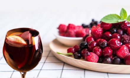 Recipe : Non-Alcoholic Sangria with Cranberry Juice