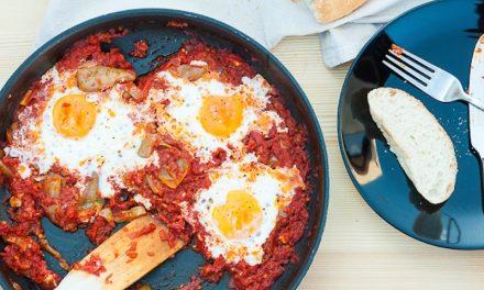 Recipe : Sunny Side-Up Eggs in Tomato Sauce