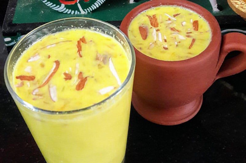 Recipe : Almond Milk with Saffron and Cardamom