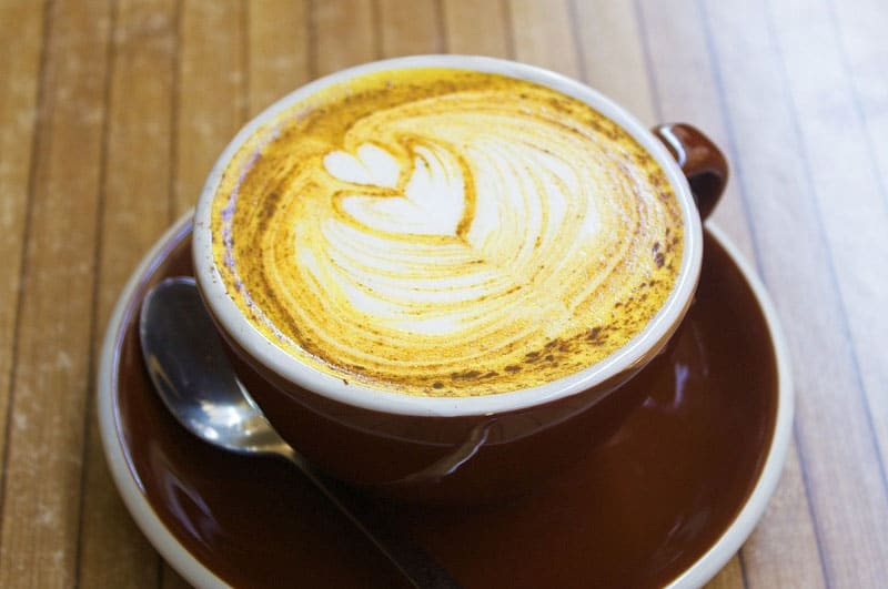 5 minutes Turmeric Latte