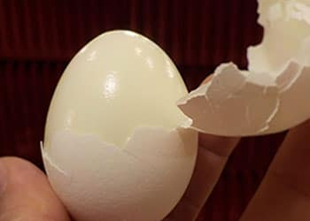 How to make perfect hard boiled eggs bachelor recipe now peel the eggs by cracking the shells and roll it between your hands you can also store it in the refrigerator for 5 days ccuart Choice Image