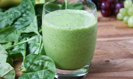 Recipe : How To Make Healthy Green Spinach Smoothie