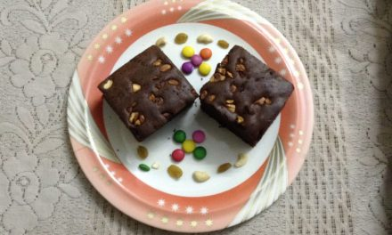 Recipe : Healthy Chocolate Peanut Butter Brownies with Nuts and Raisins