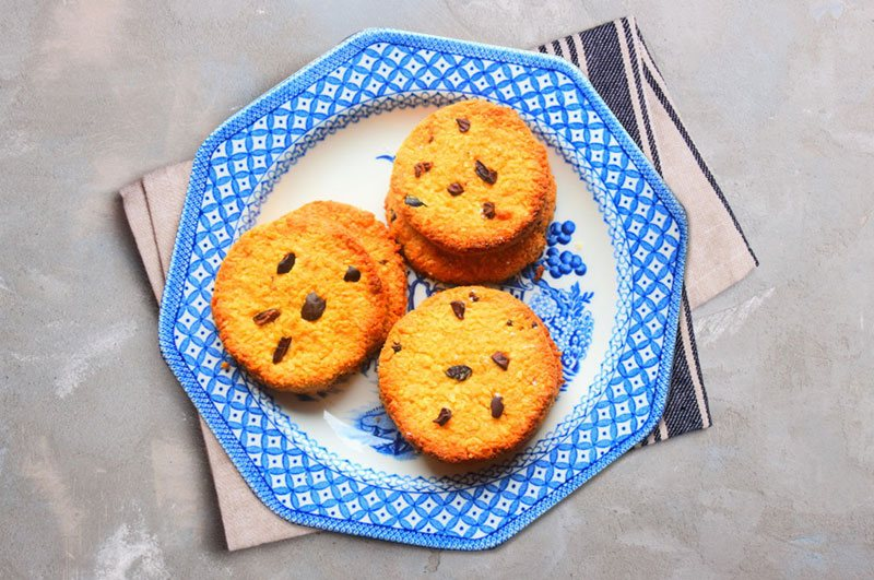 Recipe : Soft and Chewy Chocolate Chip Coconut Cookies