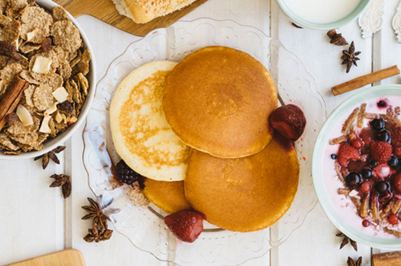 Easy Semolina Pancakes with Greek Yogurt and Peanut Butter
