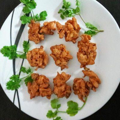 South Indian Style Crispy Onion Fritter (Pakoda)3
