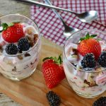 Greek yogurt parfait is a healthy and nutritious yogurt dish